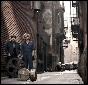 Photo of Carlos Grasso and James Slay in an alley in downtown Los Angeles